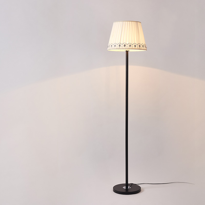 Standing lampe beste design inspirasjon for for Living lighting floor lamps