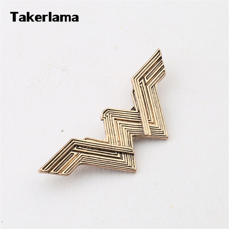 Takerlama Superhero Wonder Women W Letter Metal Pins Badges Brooches Cosplay Accessories Women Gift Movie Jewelry Collectibles