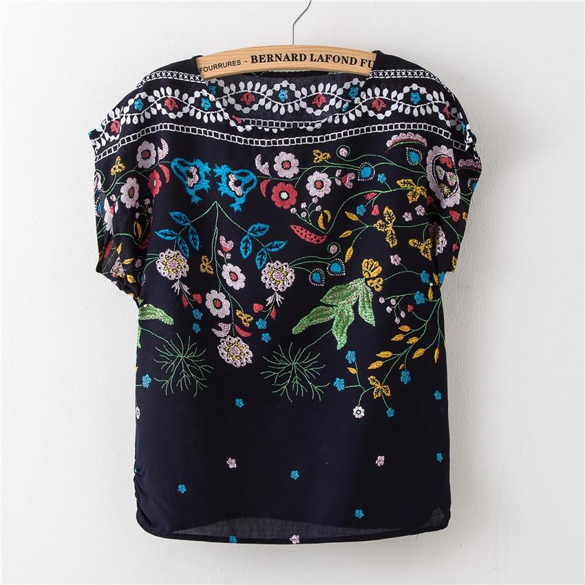 2017 New T Shirt Sexy Batwing Sleeve Geometric Print Tee-shirt Women Round Neck Cotton Loose Vintage Girl Top