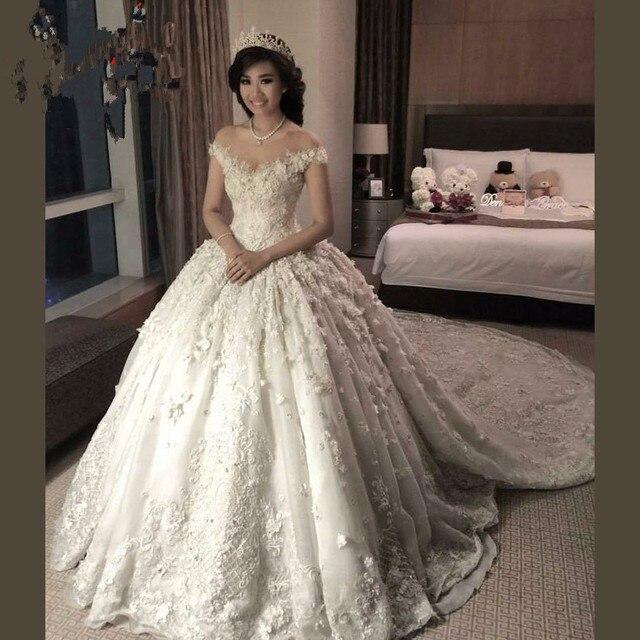 2017 Liban Dentelle Robes De Mariée turquie Avec Chapelle Train Sheer Cou  Dentelle Appliques Perlée robe