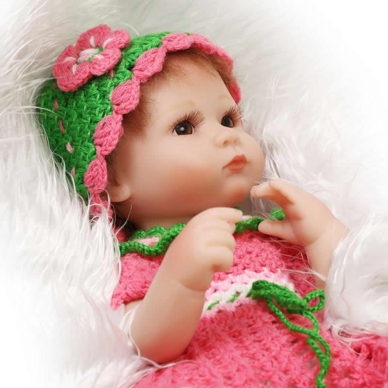 Lifelike Newborn Baby Doll 17 Inch Reborn Silicone Babies Cotton Body Fashion Alive Brinquedo With Knitted Dress For Collection christmas gifts in europe and america early education full body silicone doll reborn babies brinquedo lifelike rb16 11h10
