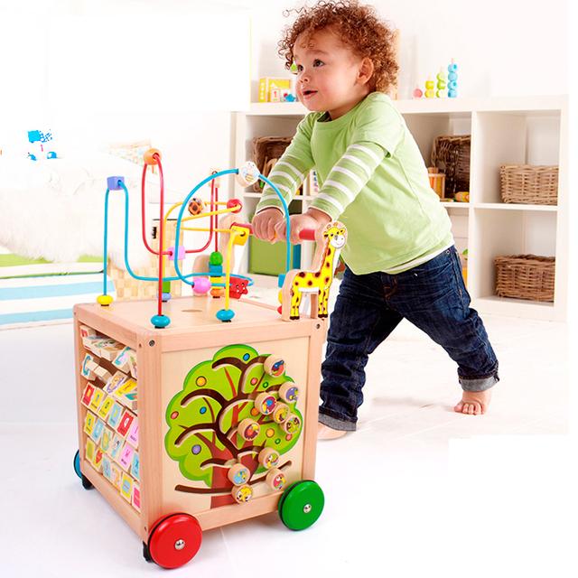 Multifuncionales grandes cuentas de madera alrededor del pecho empuje andador temprano rompecabezas bloques de construcción de juguete