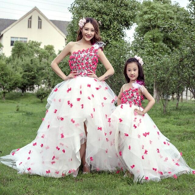 41a43bb919a66 Enfants filles princesse robe fleur maman et moi bébé ensembles mère fille  robes de mariée vêtements