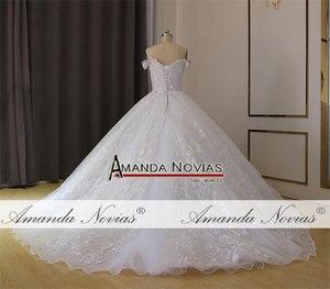 Image 3 - فستان زفاف أبيض عاري الكتفين لحفلات الزفاف 2019