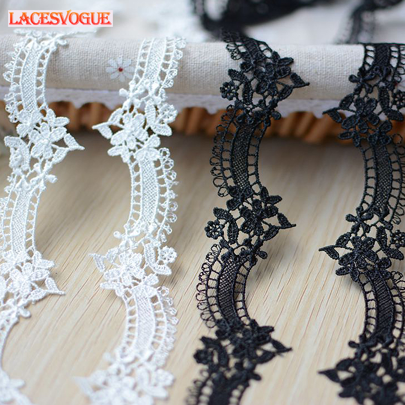 25mm Essential Trimmings Scalloped Embroidered Tulle Lace Trimming Cream per metre