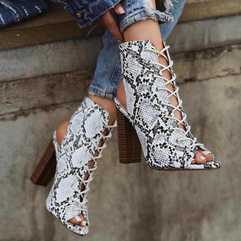2019 Lüks Kadın 11.5 cm Yüksek Topuklu Fetiş Sandalet yarım çizmeler Balo Yaz Dantel Up Blok Topuklu Peep Toe Sandalet Serpantin ayakkabı