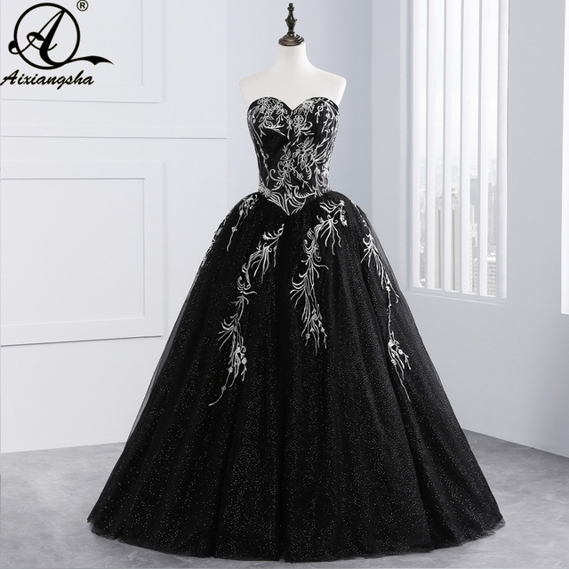 581ce3d13fb 2018 Black Quinceanera Dresses Tulle With Embroidery Beaded Sweet 16 Dresses  Puffy Ball Gown Vestido De