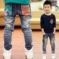 Бесплатная доставка детские брюки новая коллекция весна красивый мальчик джинсы дети ковбойские брюки дети Мода джинсовая одежда, мальчики разорвал джинсы