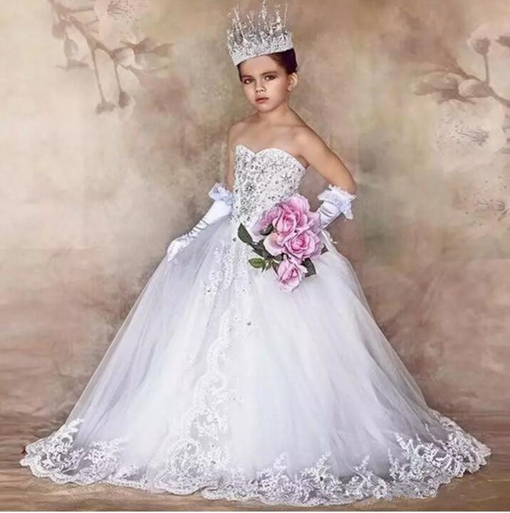все цены на White 2019 Flower Girl Dresses For Weddings Ball Gown Tulle Lace Beaded Long First Communion Dresses for Little Girl онлайн