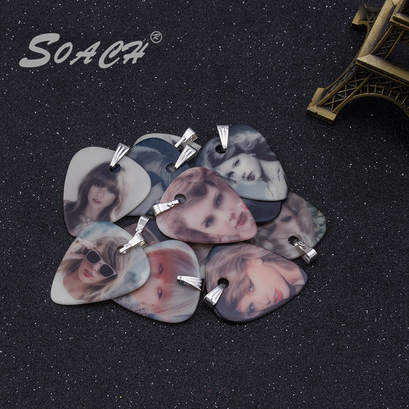 SOACH 1.0mm luminous new guitar pick necklace star pattern piece of pick necklace personality guitar picks
