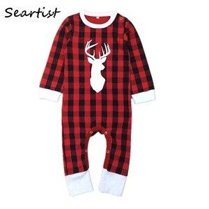 Ubrania świąteczne zima w czerwoną kratę kombinezon reniferowy Romper piżama dla chłopców dziewcząt noworodka ubrania 2021 nowy 30