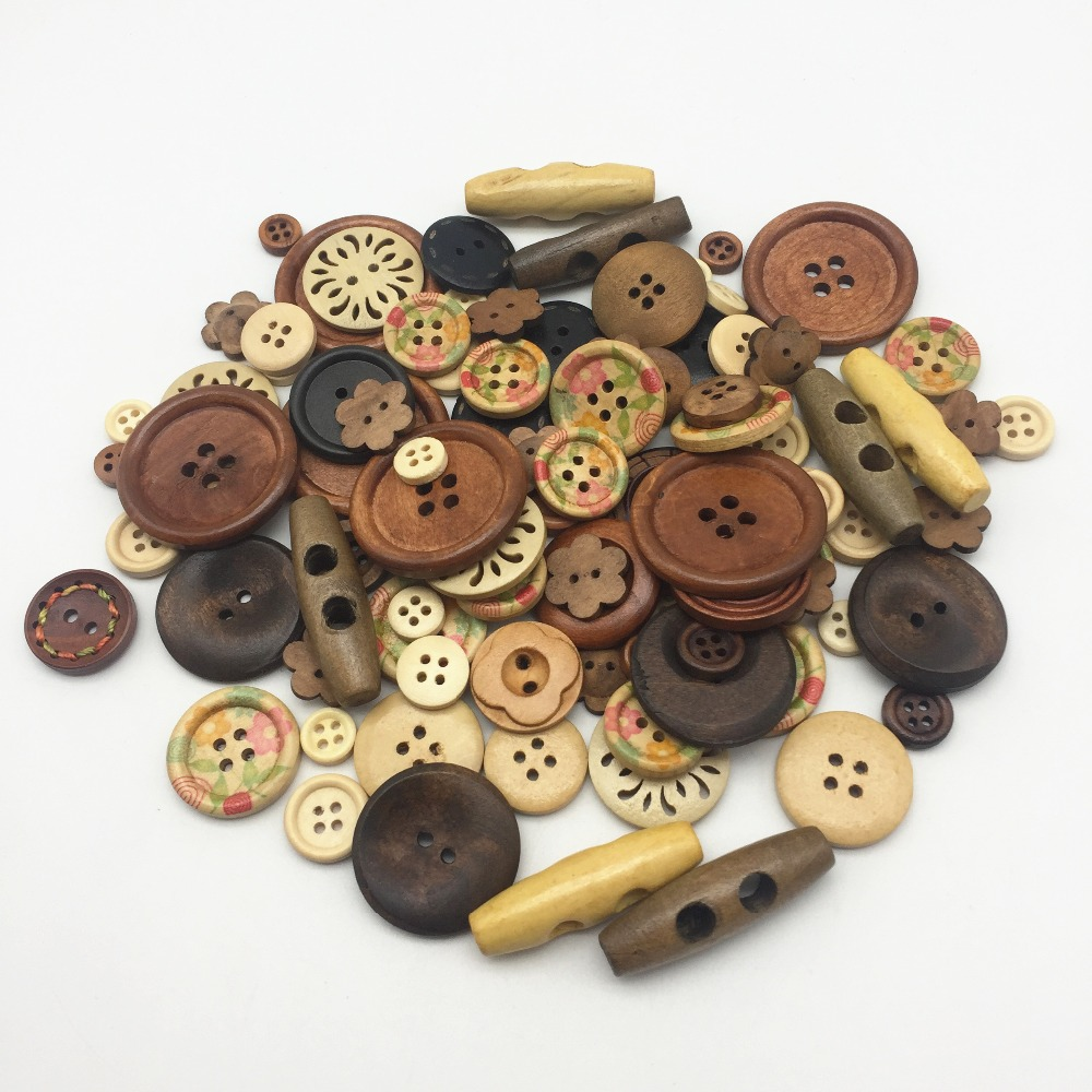 Craft Card Making Sewing Scrapbook 100 15mm WOODEN BUTTONS  Xmas Christmas Mix
