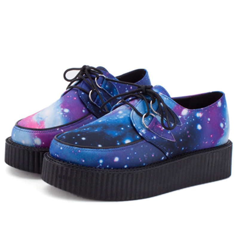 ФОТО  HARAJUKU VIVI  galaxy blue flat creepers platform shoes for woman casual women punk creeper pattern Shoes for ladies Girls