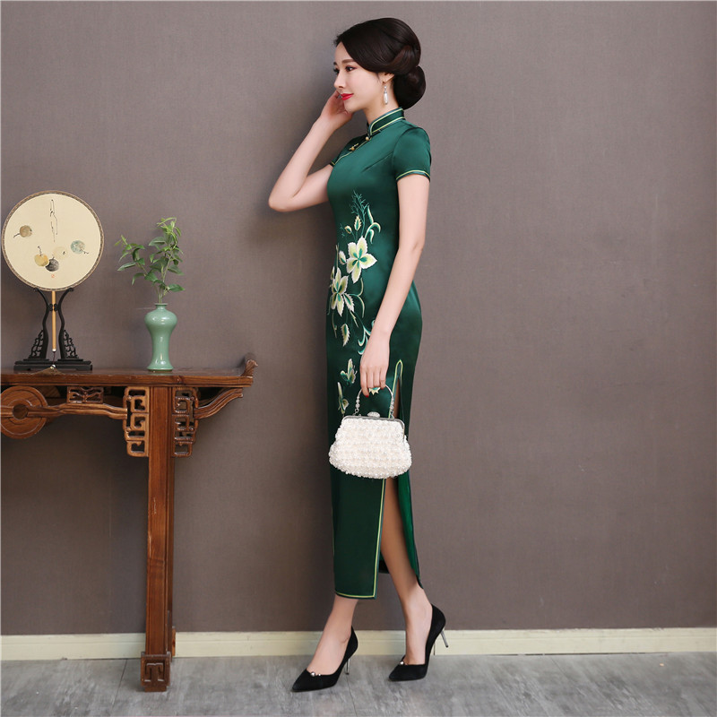 Soie Robes 2019 Cheongsam Nouvelle Show Vert Oversize 3xl Qipao Broderie Été Robe Manches Courtes Femmes Élégant Stage Florale qgAP4q