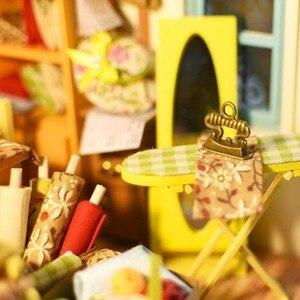 Image 4 - Robud DIY ドールハウス家具とライト木製ミニチュアドールハウスキットおもちゃのためのギフトリサのテーラー DG101