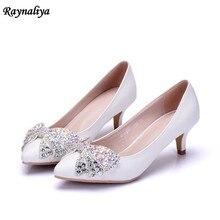 648246447 Sapatos de festa Cor Branca Strass Diamante Lantejoulas Bling Princesa  Sapatos de Saltos Mulheres Bombas Para A Nomeação Da Noiv.