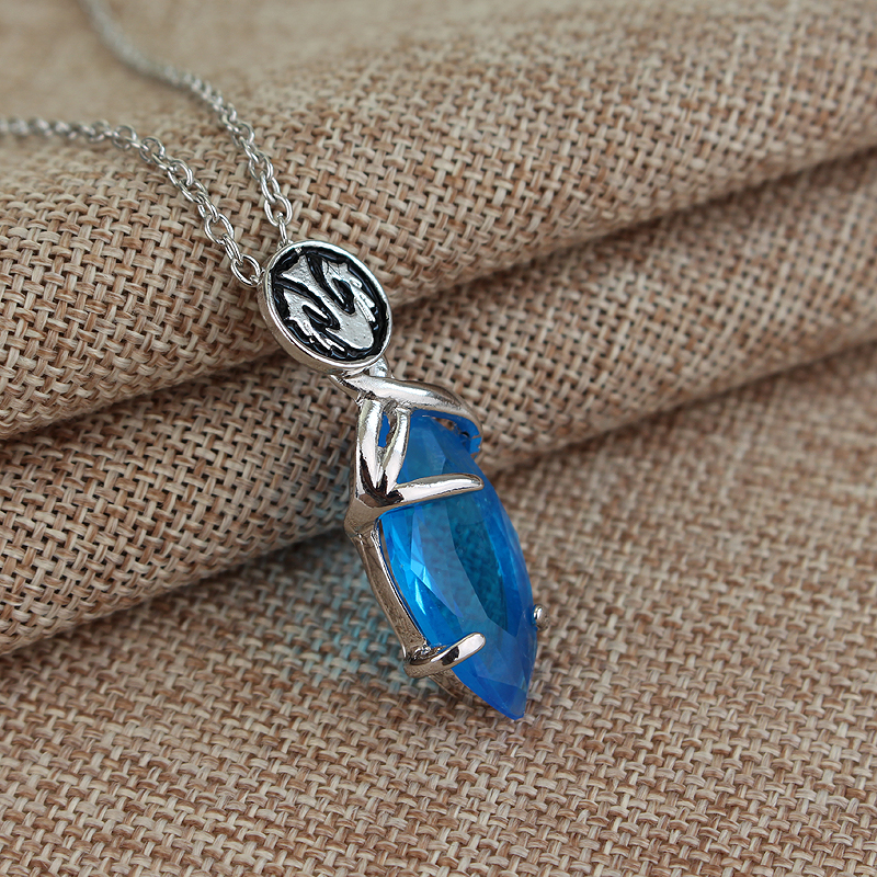 Game Final Fantasy Blue Stone Gem Crystal Amulet Necklace Pendant Cosplay