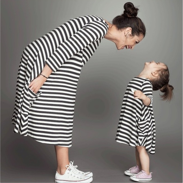 1cdadc036 Fashion mom and kids couple look stripe family matching outfits Baby Girls  clothes dress mother daughter Children dress clothing