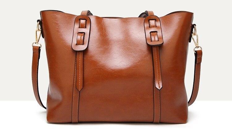 luxo senhora com bolsa de bolso grande