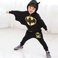 Niños ropa de invierno 2016 de ropa para niños trajes de Dibujos Animados traje de batman niños sudaderas con capucha + pantalones niños deportes traje ropa de los muchachos