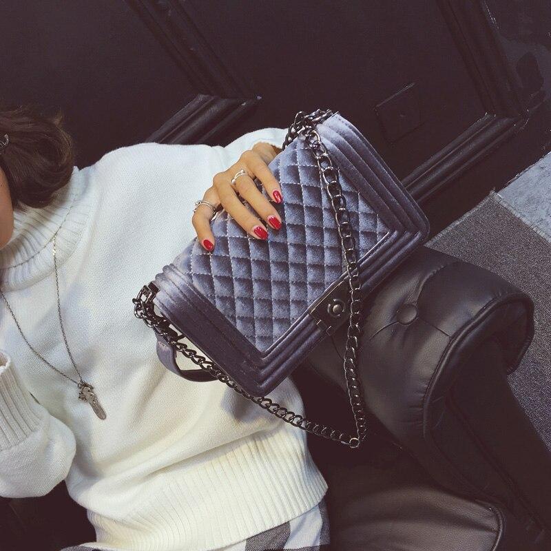 все цены на Luxury Handbags Women Bags Designer 2018 New Winter Women Messenger Bag Velvet Chain Crossbody Bags For Women bolsa feminina