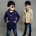 Chico trinchera abrigo nuevo 2015 largo manga de los niños de los muchachos rompevientos niños de la capa de foso negro y de color caqui prendas de vestir exteriores 4-16Y