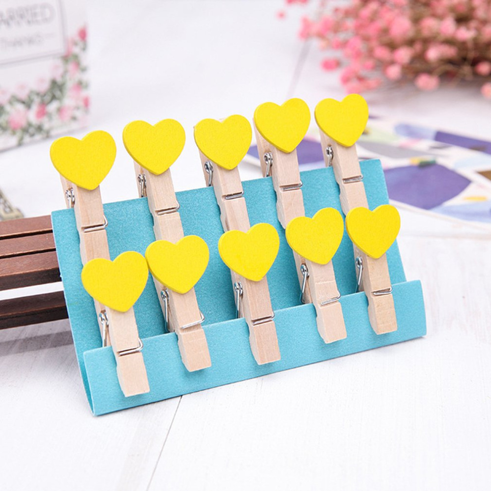 10Pcs Lot Mini Cube Shape Heart Shape Wooden Clip DIY Photo Memo Paper Clips Windproof Wooden Place Card Holder Clothes Stand in Clothes Pegs from Home Garden