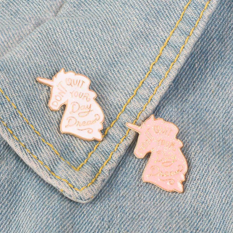 Non Lasciare Il Tuo Giorno Sogno Del Fumetto Bianco Pink Glitter Pegasus Unicorn Alpaca Fly Cavallo Compilation Dello Smalto Spille Spilli per ragazza