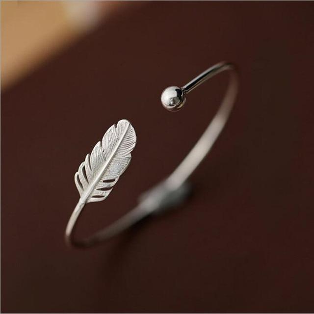Женский браслет из серебра 925 пробы с перьями