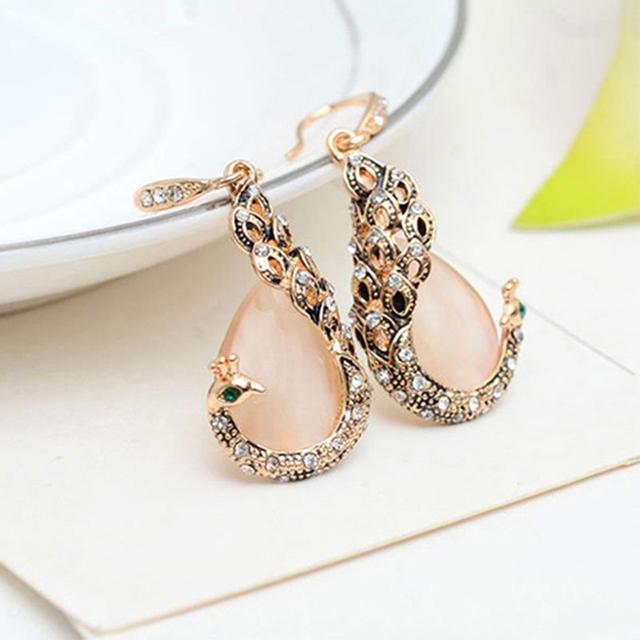 Women's Elegant Water Drop Rhinestone Pendant Necklace and Earrings Jewelry Set