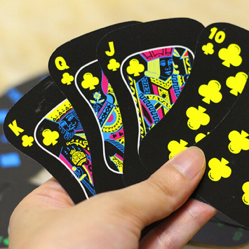 54 Cards Newest Luminous Playing Cards Fluorescence Night Watch Poker Cards Board Game Bar Nightclub Nights Poker Cool Wholesale