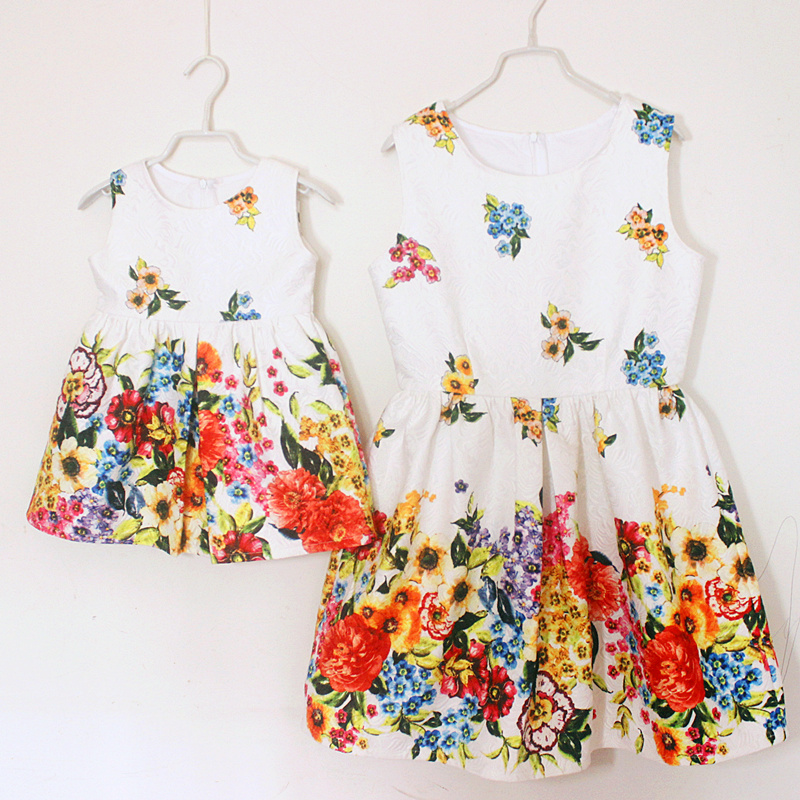 family matching clothes brand European floral print A shape Sleeveless mother and girl midi dresses party dress women sundresses brand a line floral embroidery pleated sleeveless skirts women girl sundresses family matching clothes mother and daughter dress