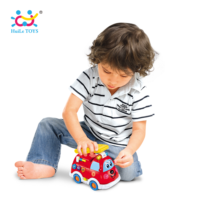 HUILE TOYS 526 Spanish & English Leaguage Baby Toy Electric Fire Truck Toy with Flashing Light & Music Kids Educational Toys huile toys 3108 baby toys traveling picnic cooking suitcase toy included stove utensils plates toy meal bacon and eggs