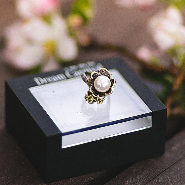 Vintage Flower Styled Ring for Women
