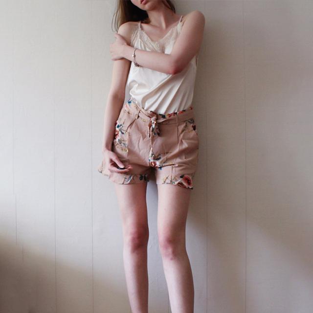 Simplee Casual floral print ruffle shorts Women summer beach drawstring bow belt shorts Pocket zipper streetwear shorts 2017