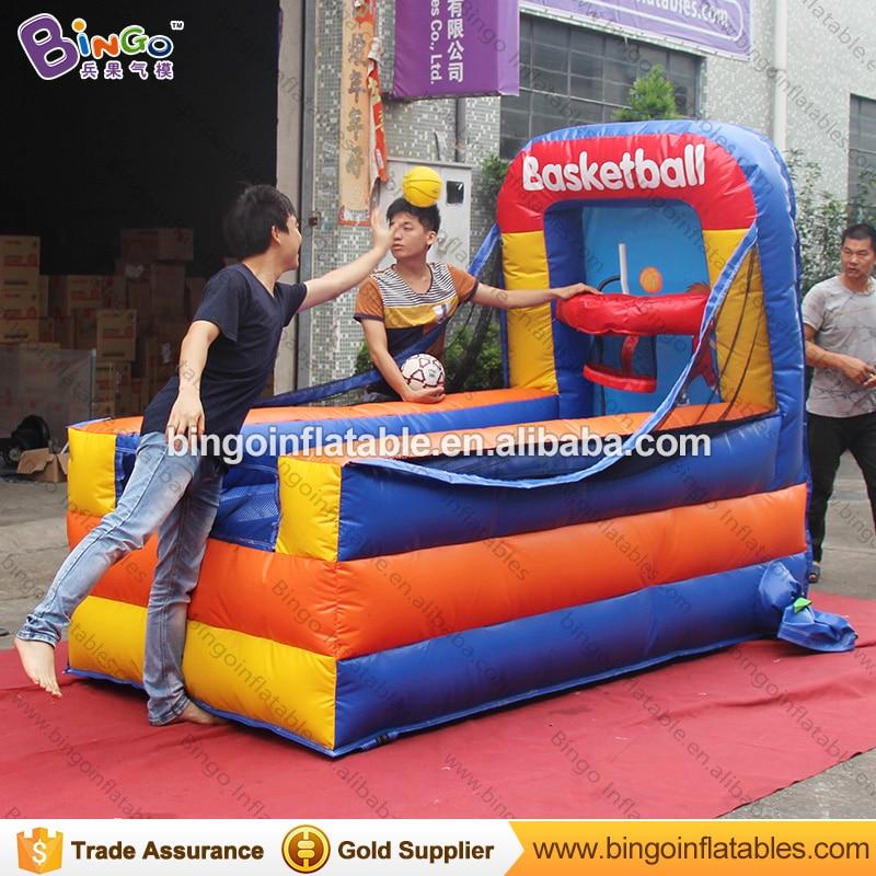 Fabriek te koop 1.3x2.5x2 meter opblaasbare mini draagbare basketbal game speelgoed