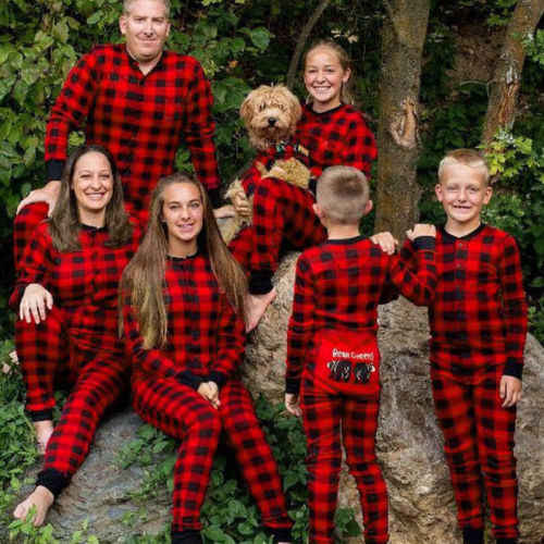 Подробнее Обратная связь Вопросы о 2018 Новый Рождественский красный плед  комплект одежды Семейные комплекты Рождественская пижама Рождественский  комплект ... dc10f85823edc