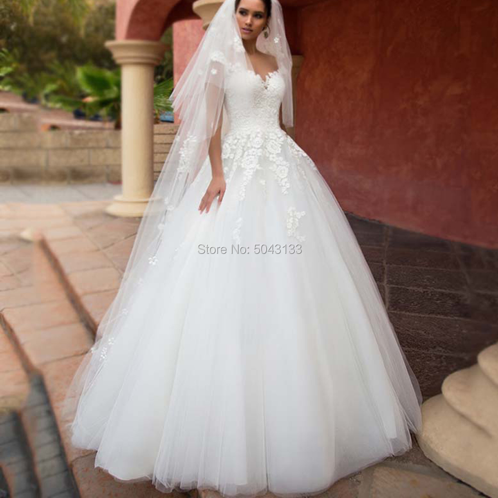 Sexy Sweetheart Ball Gown Wedding Dresses 2020 Vintage Lace Appliques Floor Length Tulle Wedding Bridal Gowns Robe De Mariee