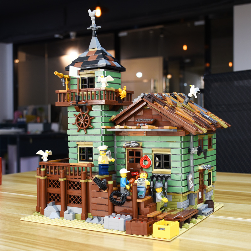 SLPF Creative Movie Series Fisherman Hut Old Fishing Shop Assembled Building Blocks Children Educational Toys DIY Cabin Gift I55
