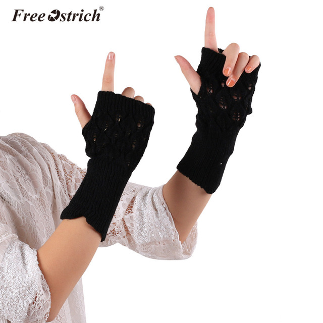 Free Ostrich Gloves Women Girl 2018 Warm Winter Brief Paragraph Knitting Half Fingerless Heart Shape Knitted Glove Dropshipping