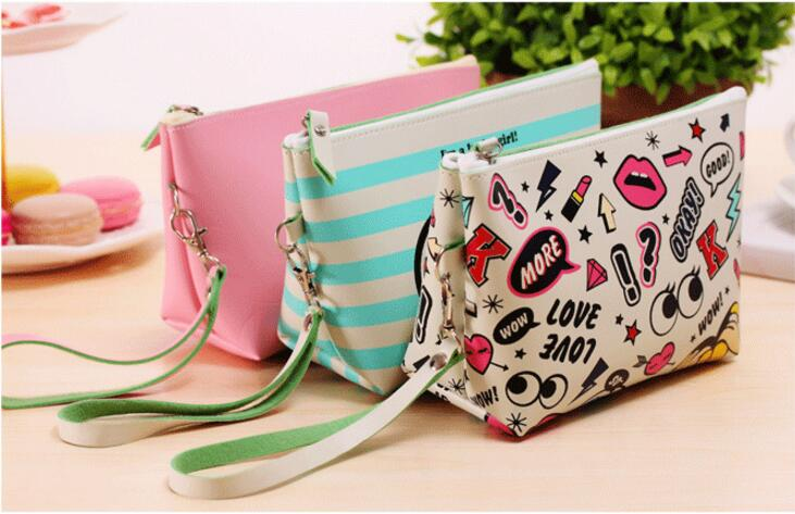 New Modern Girl Travel Neceser Beautician Makeup Bag Pu Creative Lips Cosmetic Bag Large Capacity Waterproof Handbag