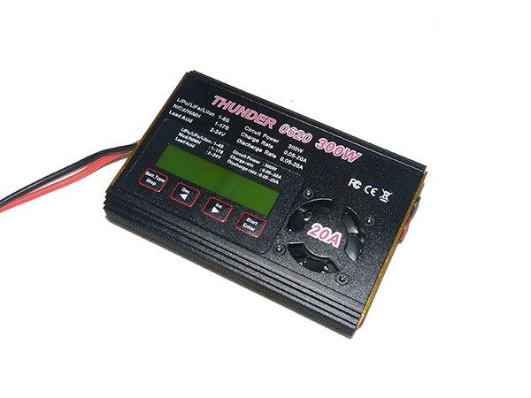Chargeur de batterie multifonction Compact THUNDER 0620 300 W/20A pour modèle RC