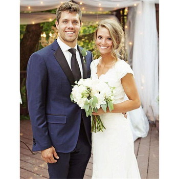 New Arrival Grooms Tuxedos Blue Wedding Suits For Men Black Peaked Lapel Mens Suits Two Piece Suit Two Button Groomsmen Suit