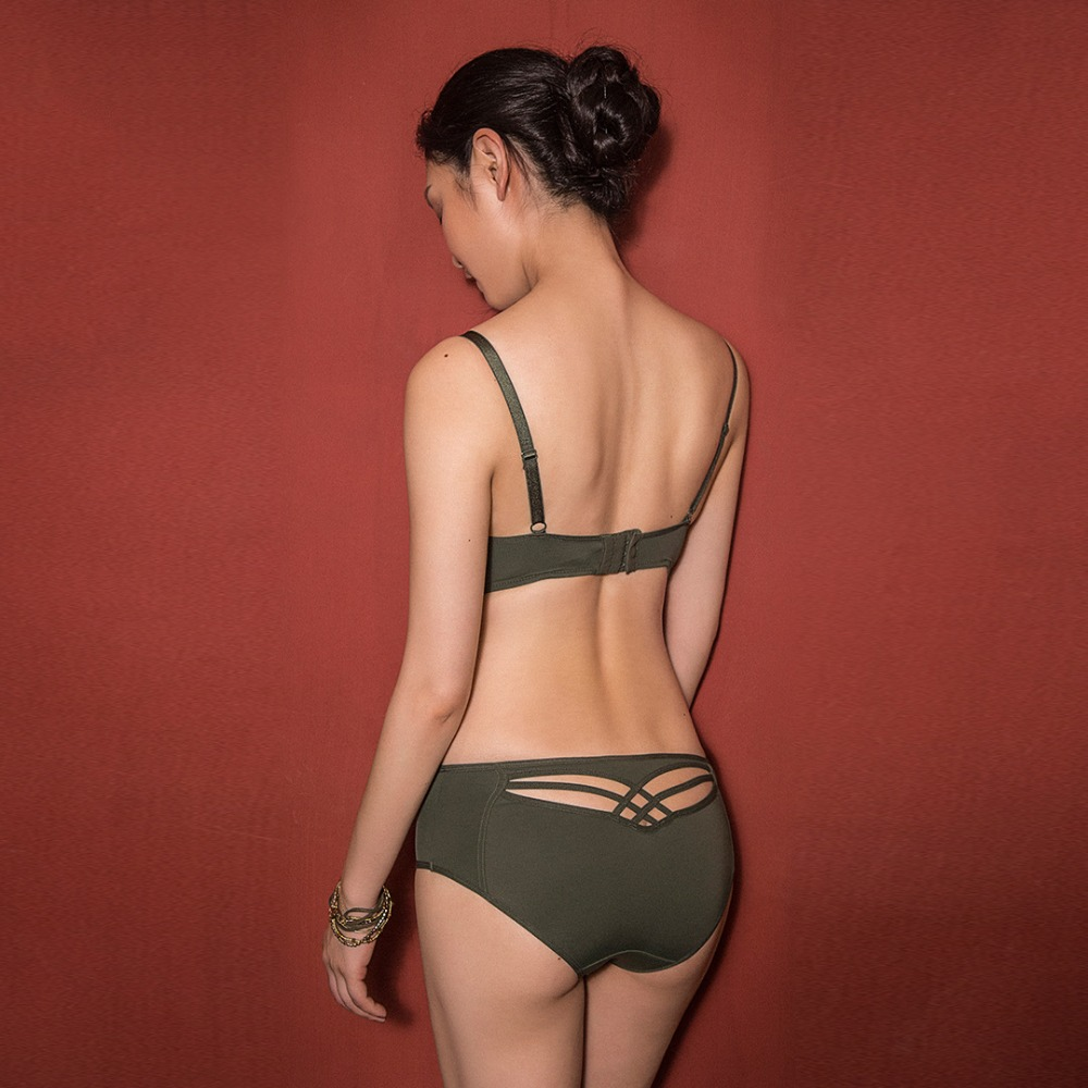 sexy mousse bra and panties sets green elegant luxurious women lingerie underwear two different panties T panties in Bra Brief Sets from Underwear Sleepwears