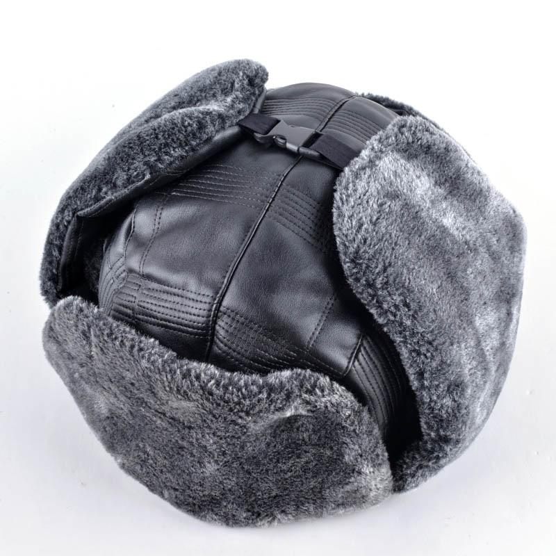 2017 Nuovo cuoio cap cofano mens inverno caldo cappello di pelliccia russia  tappi di neve paraorecchie bomber cappelli per gli uomini in 2017 Nuovo  cuoio ... 1bef9a132f0f