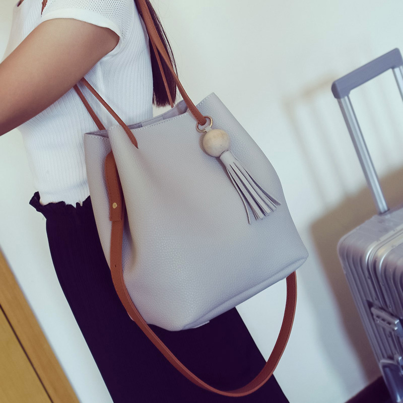 2017 PU leather Women Bag Women's Travel Shoulder Bolsa Bucket Small Handbags New brand designer tassel White 611
