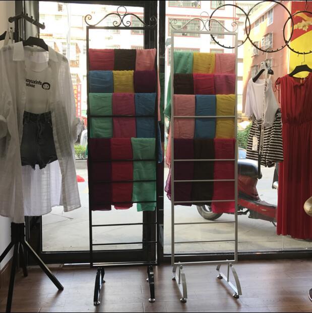 Fer écharpe rack écharpes magasin de vêtements étagères dans l'île cadre plancher ceinture rack vêtements présentoir