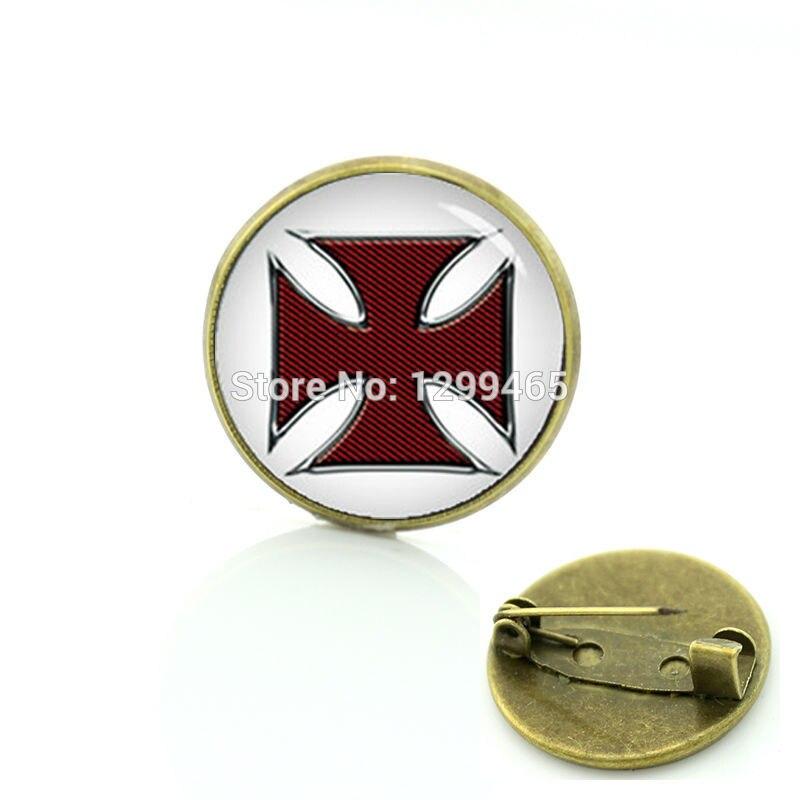 Brand apparel metal pin Maltese cross men's suit shirts badge vintage novelty Mayan Moroccan Celtics style Pharoah brooches T724