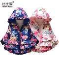 Meninas do bebê Casacos Crianças algodão-acolchoado roupas estilo da menina rosas trouxe novo casaco com capuz De Pele quente algodão-acolchoado roupas