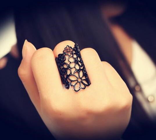 European and American fashion jewelry rings hollow lace flowers wholesale female